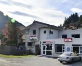 皇后鎮琥珀小屋汽車旅館