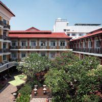拉姆布特裏村廣場旅店酒店預訂