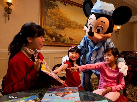 """香港迪士尼樂園酒店(Hong Kong Disneyland Hotel)國賓廳 """"冰雪奇緣"""" 主題套房"""
