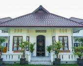 庫圖斯庫圖斯克萊米豪斯酒店