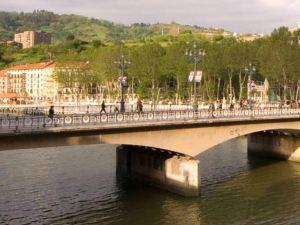 阿雷納爾畢爾巴鄂特里普酒店(Hotel Arenal Bilbao)