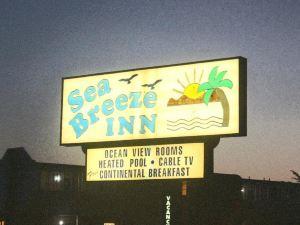 聖西蒙海風旅館(Sea Breeze Inn San Simeon)