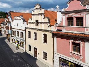 維拉洛夫酒店(Vila Krumlov)
