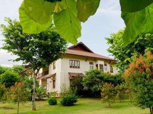 清萊柚木花園度假酒店