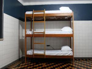 Hostel494