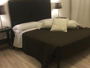 帕瑞斯酒店(Hotel Paris)