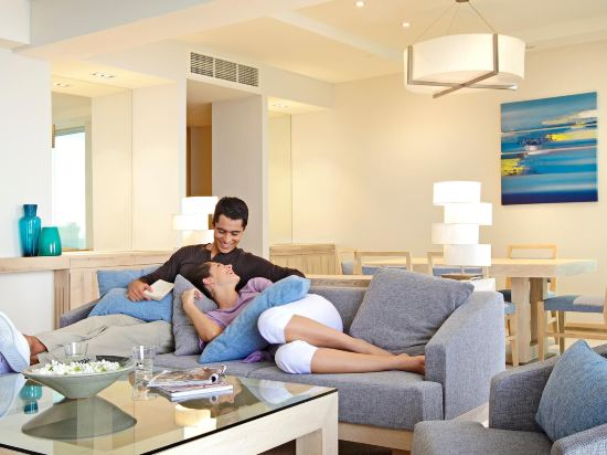 芭堤雅假日酒店(Holiday Inn Pattaya)高級海景套房