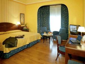 維多利亞女王宮殿4號體驗酒店(One Shot Palacio Reina Victoria 04)