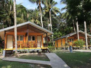 民丹島娜灣海灘俱樂部酒店