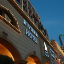里維埃拉酒店(Riviera Hotel)