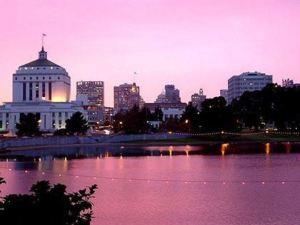 奧克蘭灣跨海大橋酒店(Bay Bridge Inn Oakland)