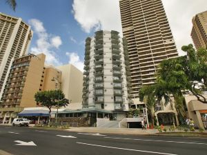 雅詩頓威基基環島酒店(Aston Waikiki Circle Hotel)
