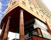鐵塔豪華羅摩六世酒店