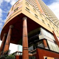 鐵塔豪華羅摩六世酒店酒店預訂