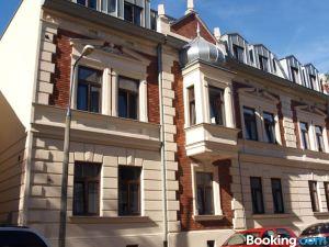 扎克瓦15公寓式酒店
