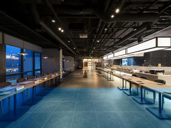 釜山海雲台温德姆華美達安可酒店(Ramada Encore by Wyndham Busan Haeundae)餐廳