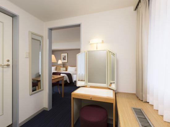 札幌格蘭大酒店(Sapporo Grand Hotel)副樓標準三人房
