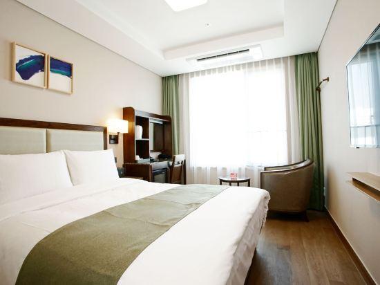 釜山斯坦福酒店(Stanford Inn Busan)標準大床房