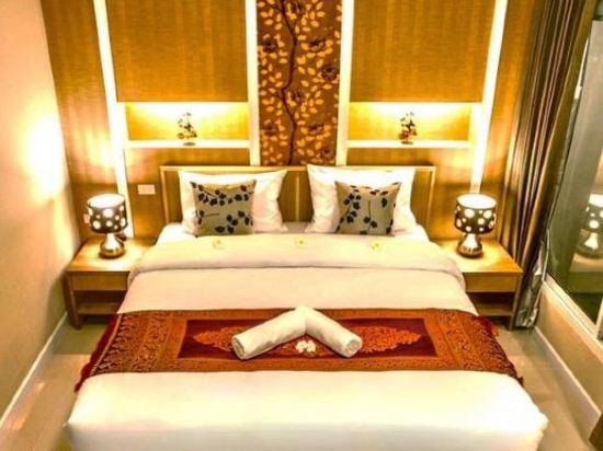 沙吞目標酒店(The Aim Sathorn Hotel)高級房
