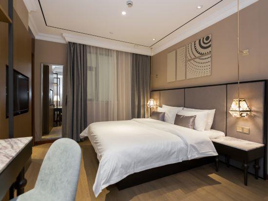 和頤至尊酒店(上海南京西路地鐵站店)(Yitel Premium (Shanghai Jing'an Nanjing West Road))至尊商務大床房