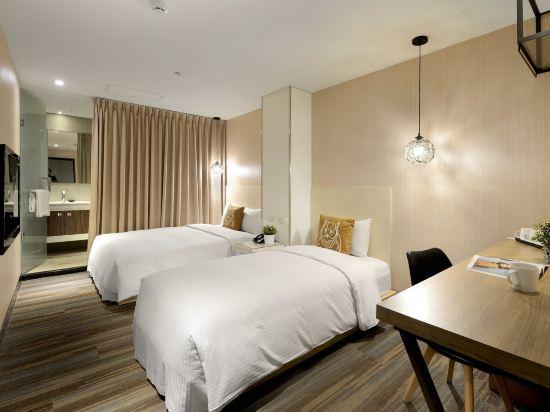 豐居旅店(台北西門館)(Via Hotel)標準三人房