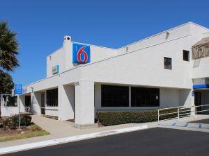 聖西蒙-赫氏古堡地區6號汽車旅館(Motel 6 San Simeon - Hearst Castle Area)