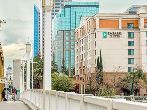 薩克拉門托河濱步道希爾頓尊盛酒店(Embassy Suites Sacramento - Riverfront Promenade)