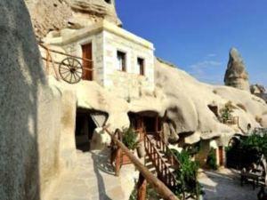 舒斯特靈洞酒店(Shoestring Cave House)