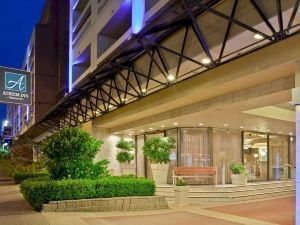 温哥華中庭酒店(Atrium Inn Vancouver)