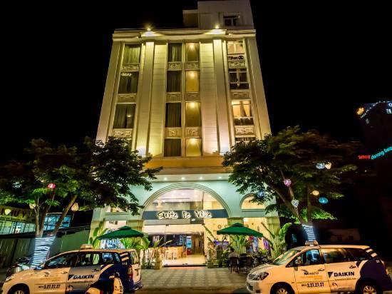 峴港海灘德韋拉套房酒店
