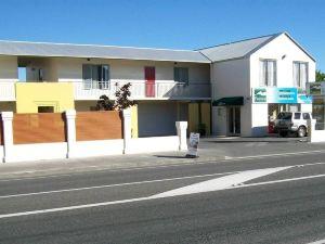 帕克賽德汽車旅館(Parkside Motel)