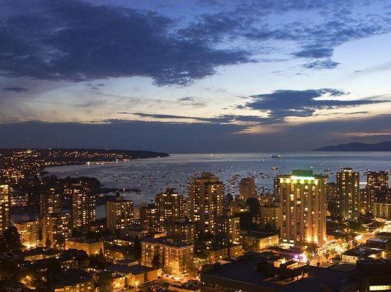 温哥華喜來登華爾中心酒店(Sheraton Vancouver Wall Centre)精緻套房(南塔)