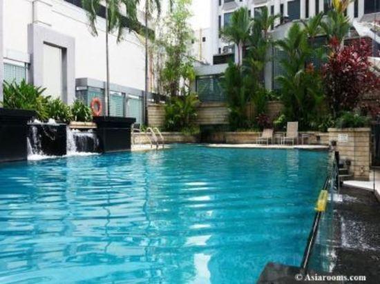 新加坡半島怡東酒店(Peninsula Excelsior Hotel Singapore)室外游泳池