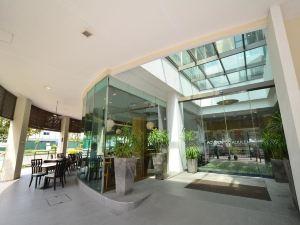 新加坡勞明達寰庭商旅酒店