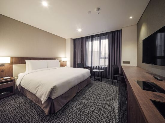 蒂瑪克格蘭德酒店明洞(Tmark Grand Hotel Myeongdong)豪華大床房