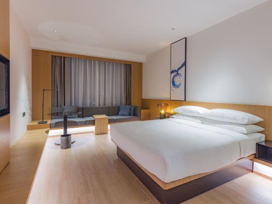 東莞星匯廣場萬楓酒店(Fairfield by Marriott Dongguan Changping)豪華大床房