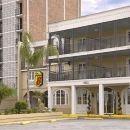 速8新奧爾良酒店(Super 8 New Orleans)