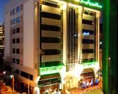陽光沙灘鐘塔酒店