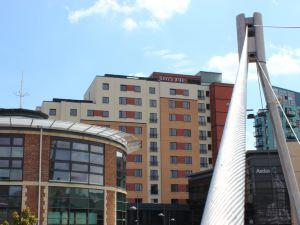 利茲朱麗斯酒店(Jurys Inn Leeds)