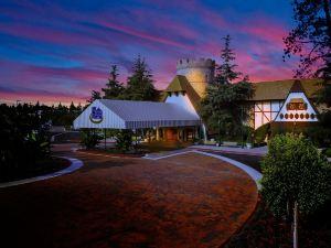 阿納海姆梅杰斯特花園酒店(Anaheim Majestic Garden Hotel)