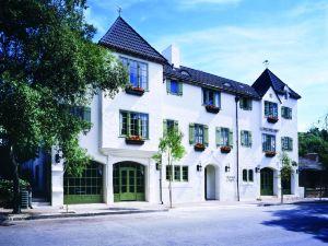 勞伯格卡梅爾瑞萊堡酒店(L'Auberge Carmel, Relais & Chateaux)