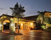拉庫恩塔坦帕灣機場酒店