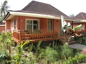 甲米納卡拉長灘度假村(Nakara Long Beach Resort Krabi)