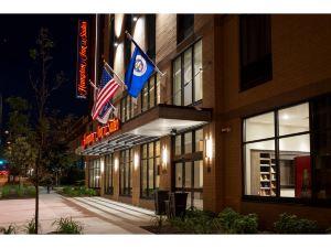 明尼蘇達州明尼阿波利斯大學區旅館及套房歡朋酒店