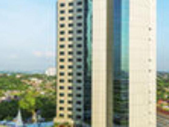 新山希爾頓逸林酒店(Doubletree by Hilton Johor Bahru)外觀