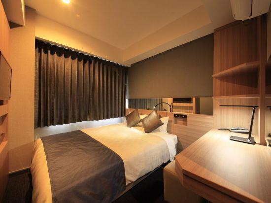 大阪心齋橋金塔酒店(Quintessa Hotel Osaka Shinsaibashi)中等大床房