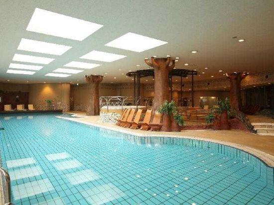 福岡海鷹希爾頓酒店(Hilton Fukuoka Sea Hawk)室內游泳池