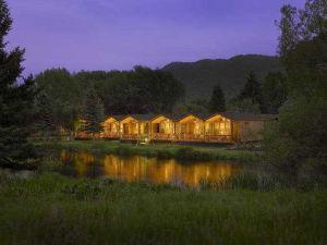 鄉村杰克遜溪畔度假酒店(Rustic Inn Creekside Resort and Spa at Jackson Hole)
