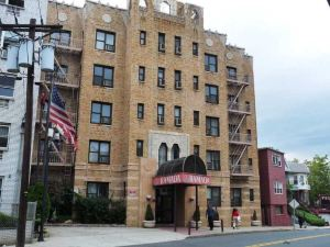 澤西市華美達酒店(Ramada Inn Jersey City)