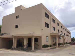 塔姆寧廣場酒店(Tamuning Plaza Hotel)